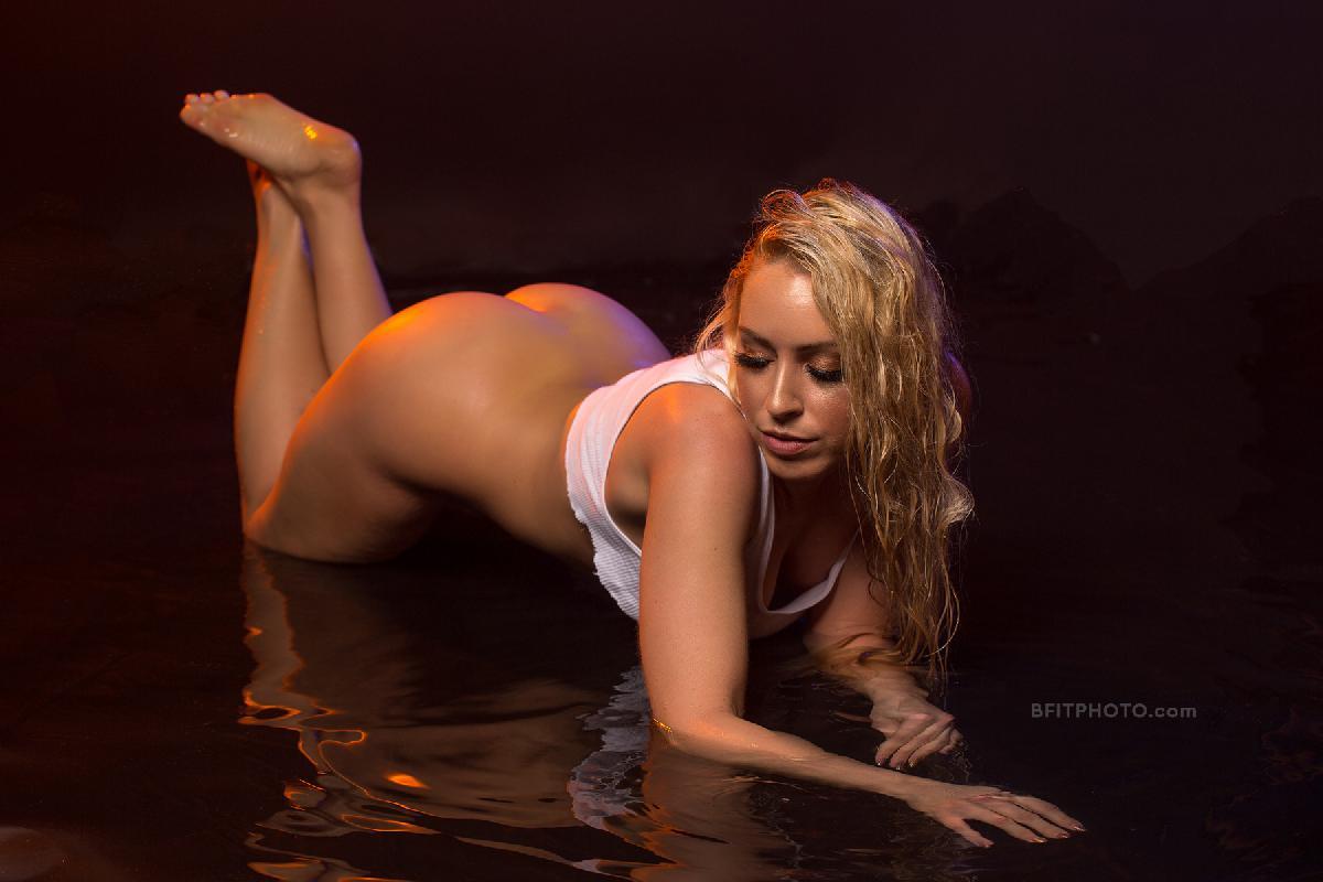 @blondebombshell_model