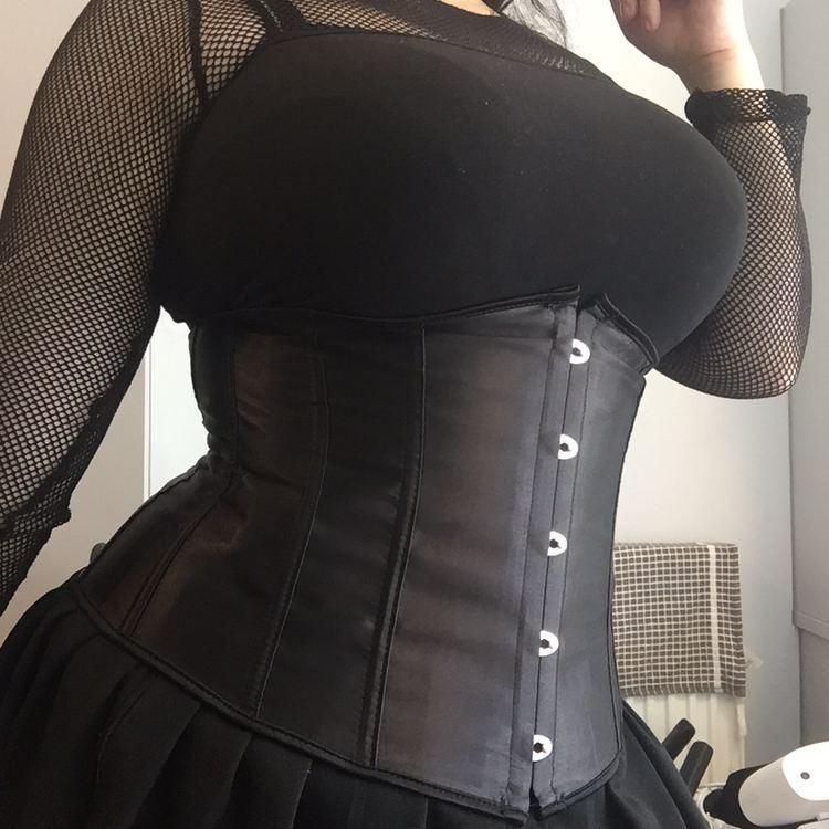@hothentaigrill