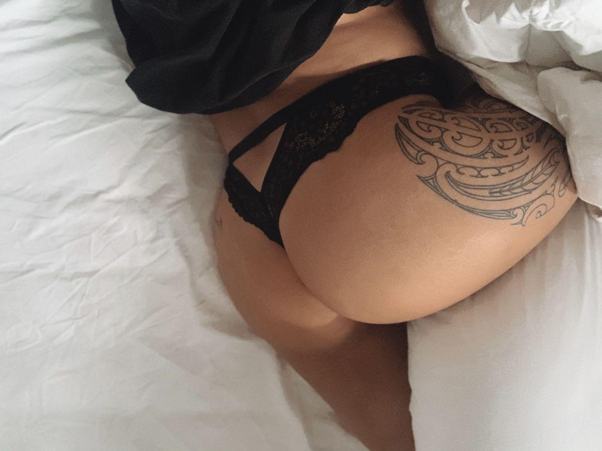 @jesseleigh_c