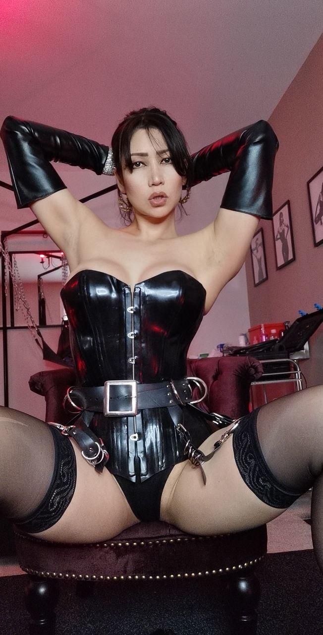 Free nudes of Mistress Terra onlyfans leaked